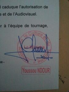 La firma del ministro en nuestro permiso. Ilustre ministro