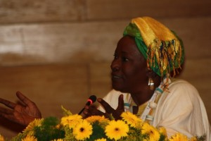 Aminata Traoré, en el 7º Congreso Ibérico de Estudios Africanos. Fuente www.guinguinbali.com
