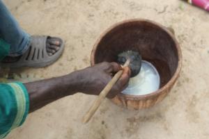 El bunuk servido en el recipiente tradicional