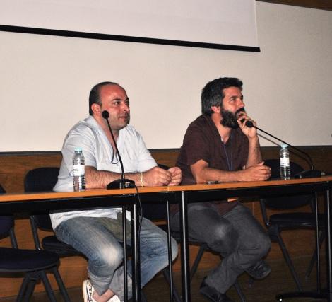 Xavier Puigserver, a la izquierda, y Jordi Tomàs, durante la presentación del documental en Lisboa