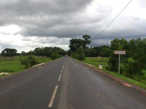Carretera de acceso a Oussouye